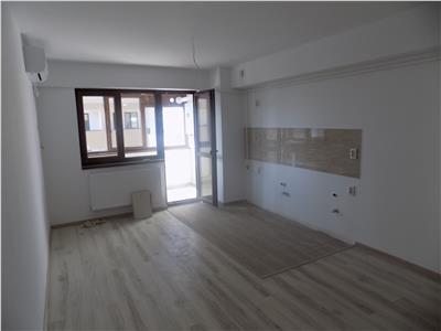 Apartament 3 camere | Etaj intermediar | Bucium | La strada