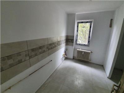 Apartament 2 camere, semidecomandat, 54mp