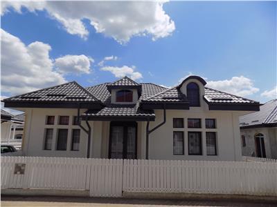 Casa independenta 3 camere, Miroslava