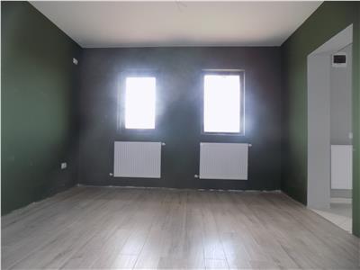 Casa 4 camere, Miroslava